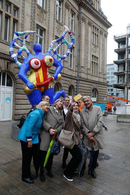 Même les élus de la capitale craquent pour l'œuvre de retour signée Niki de Saint Phalle.