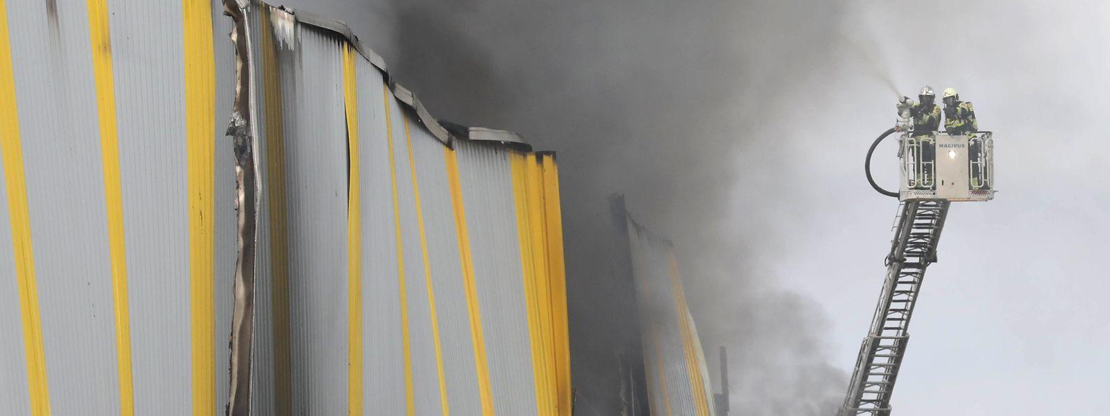 Unter anderem über Großbrände, wie zuletzt in Hamm, sollen die Bürger von nun an über die mobile Anwendung gouvAlert.lu informiert werden.
