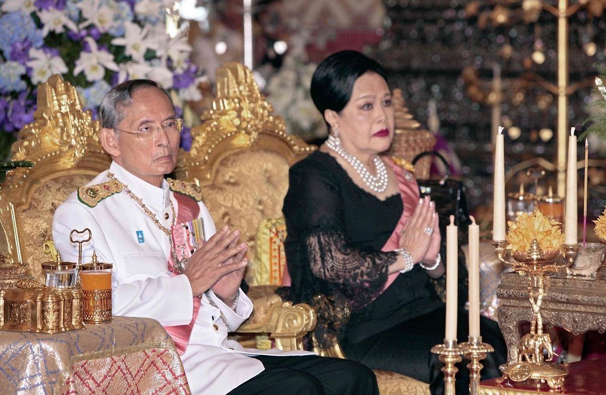 Auch Königin Sirikit ist schwer krank und wird derzeit im Krankenhaus behandelt.
