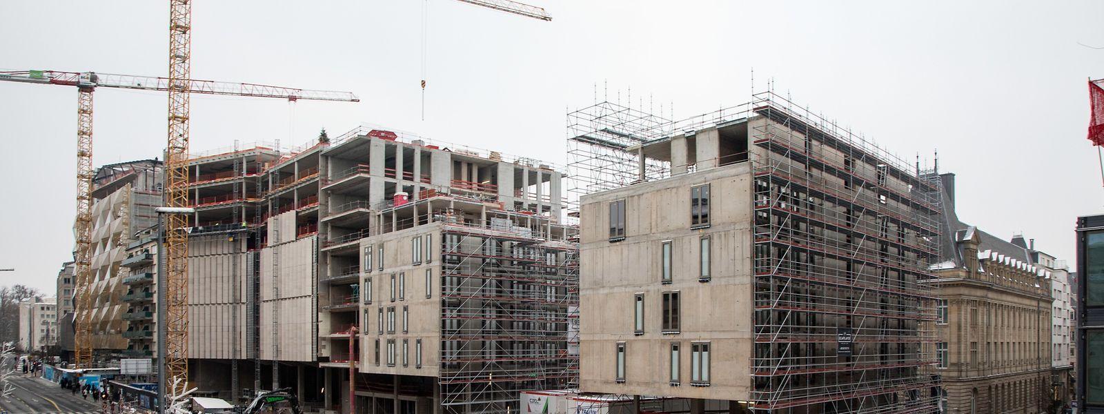 Neben den Fassadenarbeiten hat nun auch der Innenausbau in den sechs Gebäuden auf dem einstigen Aldringen begonnen.