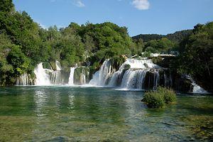 Der Krka Nationalpark in Kroatien wartet mit einer berauschend schönen und intakten Landschaft auf - unter anderem mit spektakulären Wasserfällen.