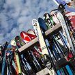 Zum Themendienst-Bericht vom 13. Januar 2017:  Wer sich im Winterurlaub Skier ausleiht, sollte sich vorher ordentlich beraten lassen.  (Archivbild vom 21.01.2015/Nur zur redaktionellen Verwendung durch Themendienst-Bezieher.) Foto: Florian Schuh/dpa-tmn