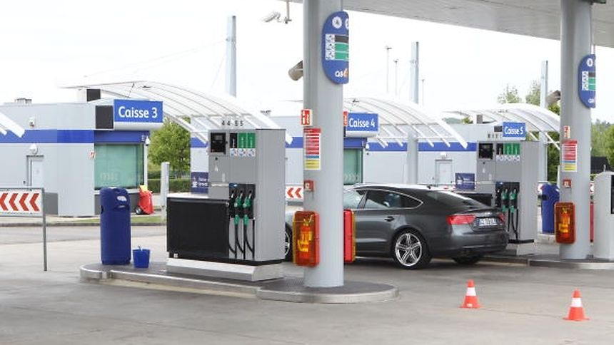 With prices falling all over Europe, the fuel tourism trend is no longer as financially beneficial to motorists living farther from the Luxembourg border as it once was