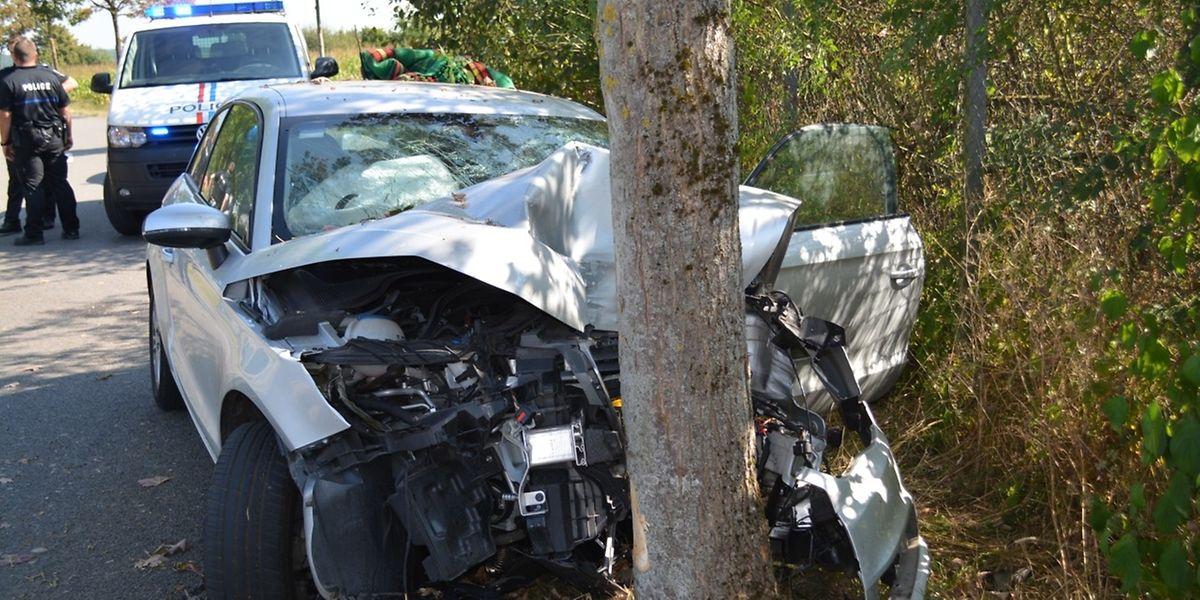 Der Unfallverursacher trug leichte Verletzungen davon.