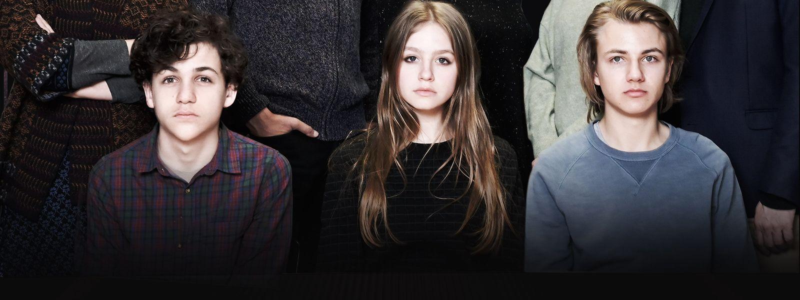 Die Kinder von links: Jakob (David Ali Rashed), Mira (Flora Li Thiemann) und Fabian (Lenius Jung) haben einen Obdachlosen getötet. Die Eltern wollen die Tat vertuschen.