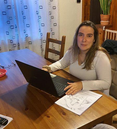 Lídia Garcias, mãe de uma bebé de 21 meses, é a autora da petição 1.550.