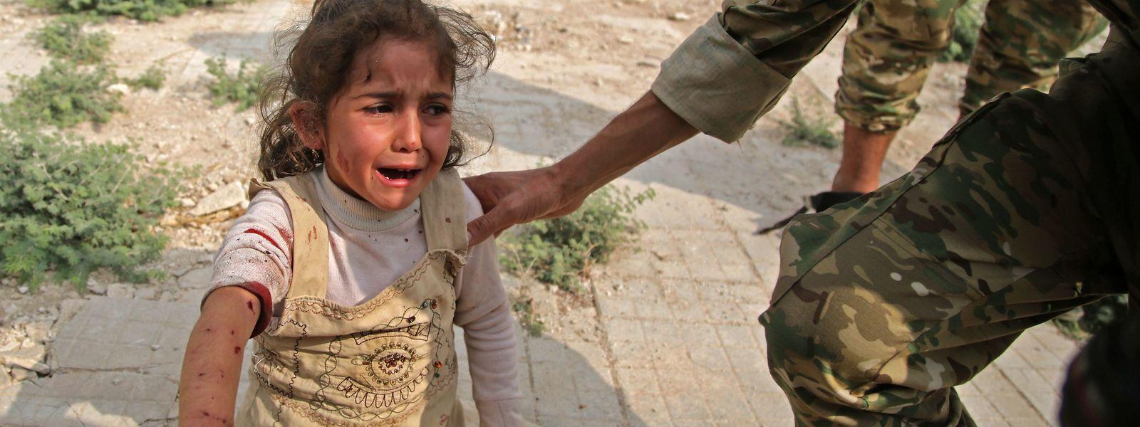 Mindestens 165.000 Menschen sollen durch die Kämpfe vertrieben worden sein, darunter schätzungsweise 70.000 Kinder.