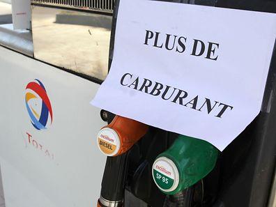 Die Benzinknappheit in Frankreich macht sich immer deutlicher bemerkbar.