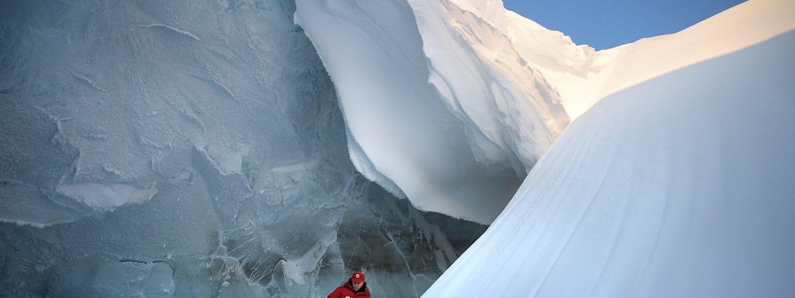 Der russische Präsident Wladimir Putin besuchte auf der Alexandra Landinsel die arktischen Gletscher der abgelegenen Franz-Josef-Land Inselgruppe.
