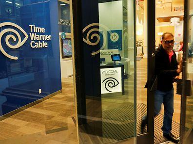 Zu Time Warner gehören unter anderem der Pay-TV-Kanal HBO sowie der Nachrichtensender CNN.