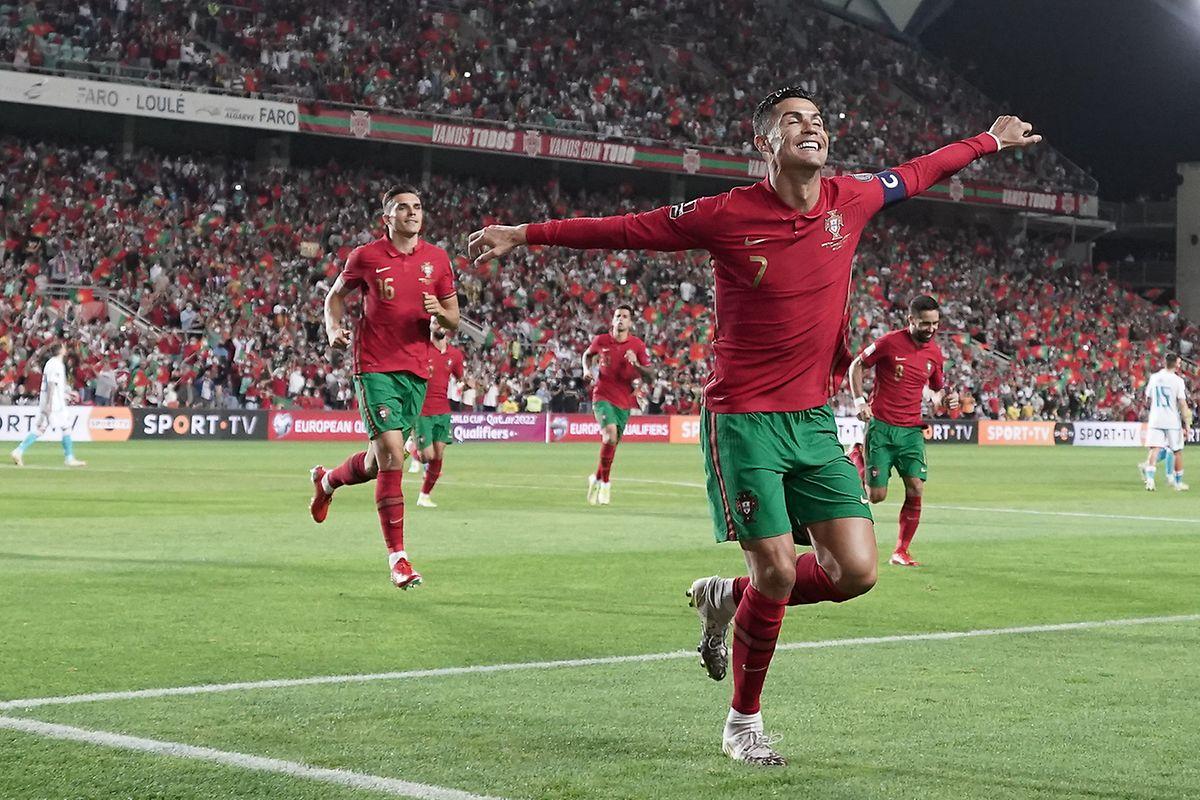 Cristiano Ronaldo trifft gegen Luxemburg dreifach.