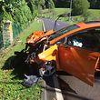 Das Fahrzeug wurde bei dem Unfall stark beschädigt.