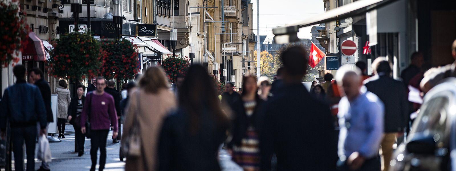 Die Menschenmenge in der Grand-Rue täuscht: Nur die wenigsten sind Kunden.