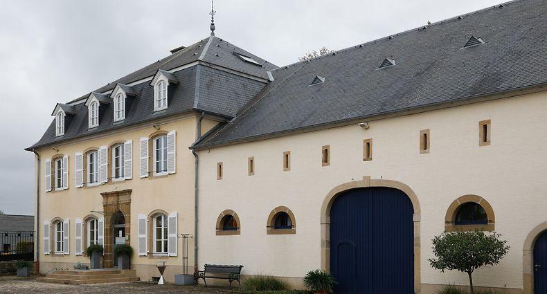 Bei dem Umbau zur Gemeindeverwaltung achteten die Architekten darauf, das Erscheinungsbild des Schlosses so gut wie möglich beizubehalten.