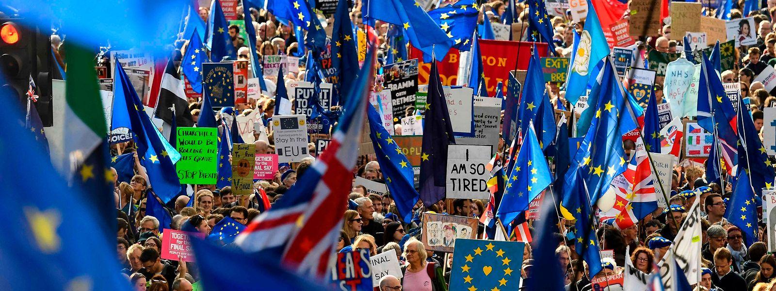 Zehntausende protestierten am Samstag in london gegen den Brexit.