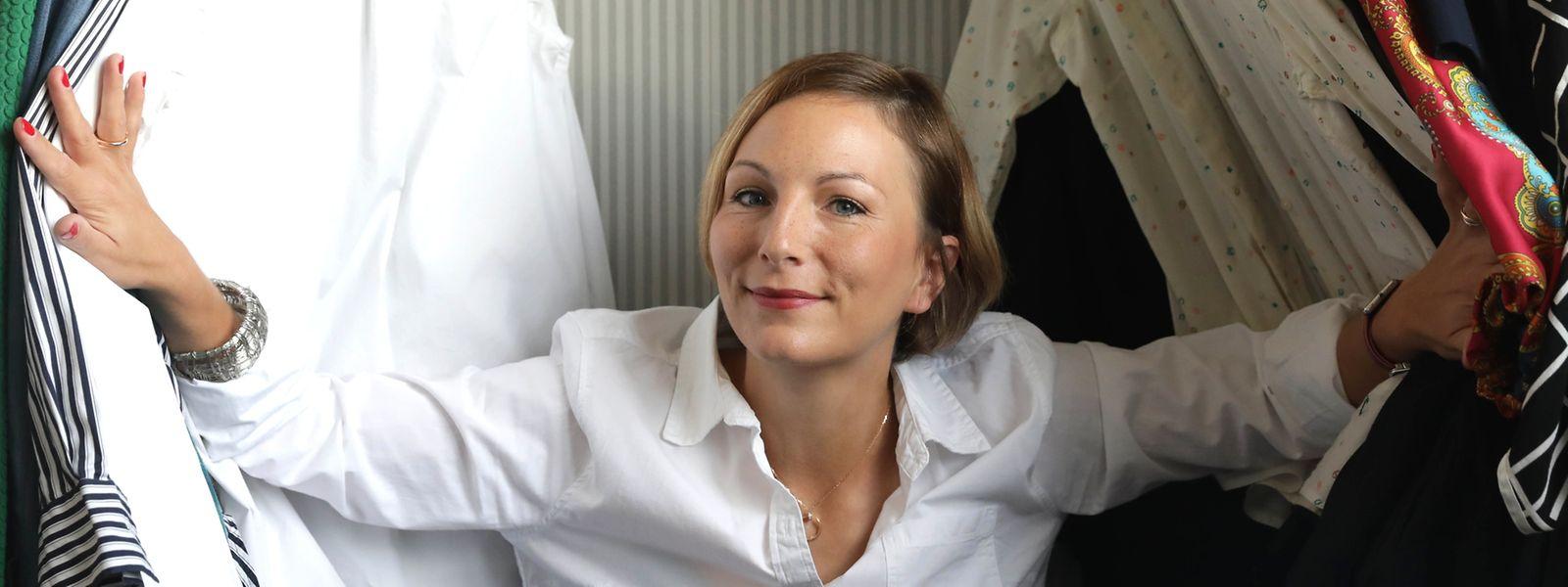 """Nicole Wiesner berät Luxemburger mit ihrem Unternehmen """"Less"""" beim Ausrangieren."""