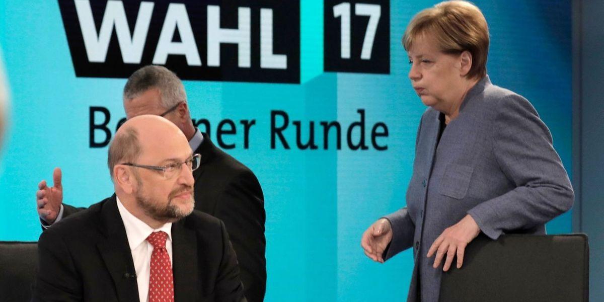 Angela Merkel und Martin Schulz waren beide mit dem Wahlergebnis sichtlich unzufrieden - besonders das Resultat der AfD sorgte bei ihnen für Unmut.