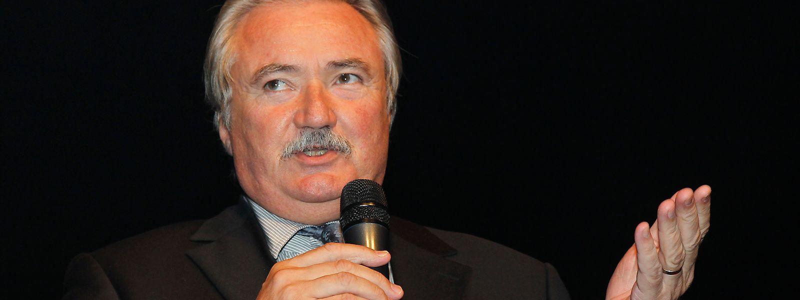 Le président du FC Metz Bernard Serin a annoncé que le nombre d'abonnés sera limité à 12 000.