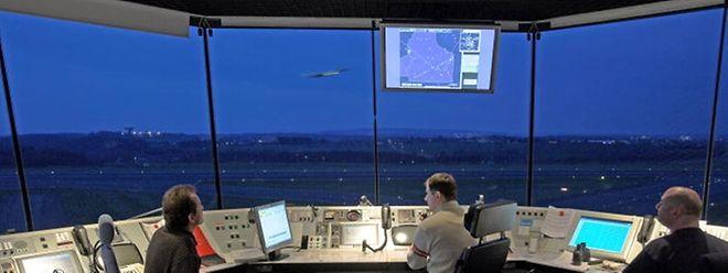 Die luxemburgische Fluglotsenvereinigung befürchtet eine Privatisierung der Luxemburger Radar-Anflugkontrolle.