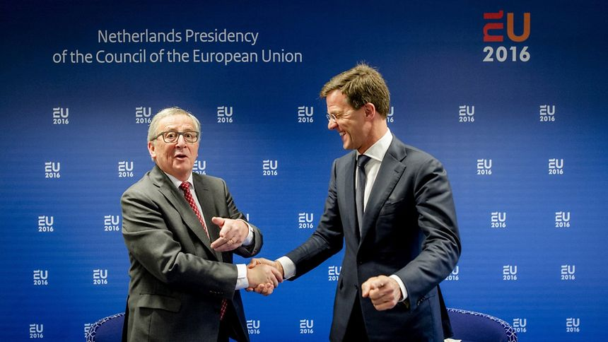 Jean-Claude Juncker et le Premier ministre néerlandais, Mark Rutte, le 7 janvier