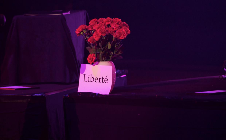 Mariza prestou homenagem às vítimas dos atentados em Paris