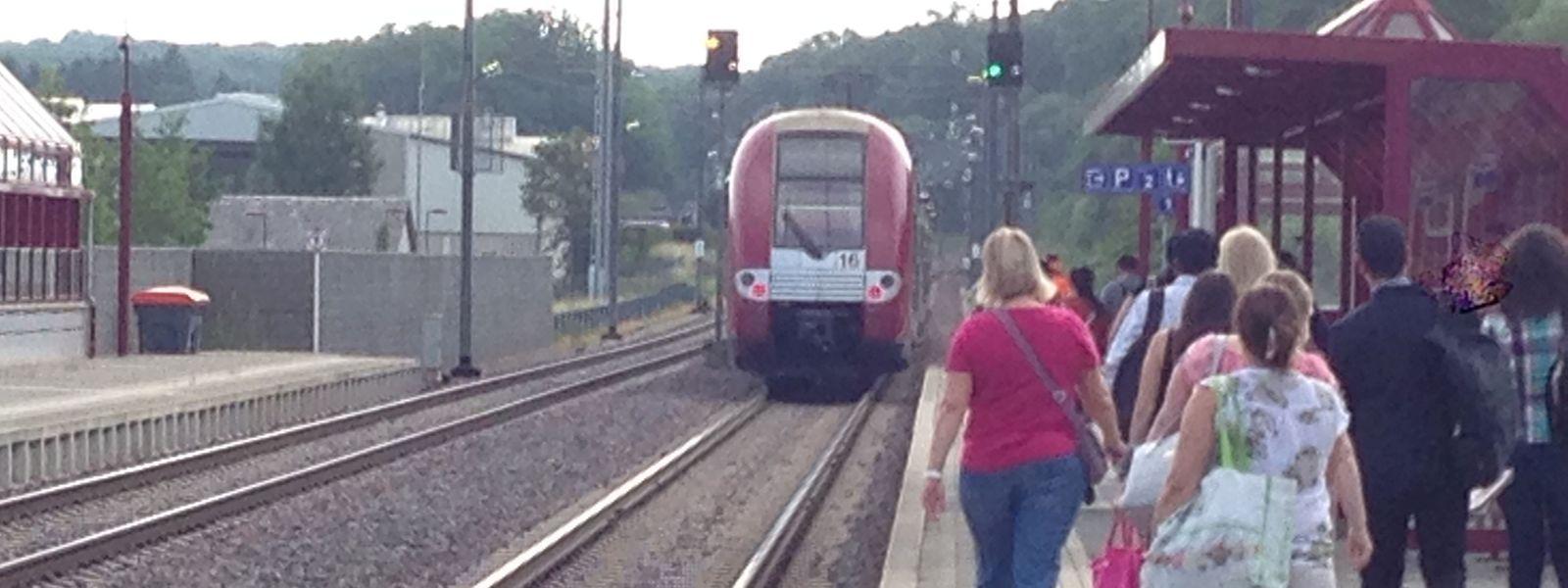 Il a en effet été décidé, le 3 mai dernier, que le train direct faisant Luxembourg/Volmerange serait supprimé en 2018, afin de désengorger le trafic toujours plus dense de la gare centrale.