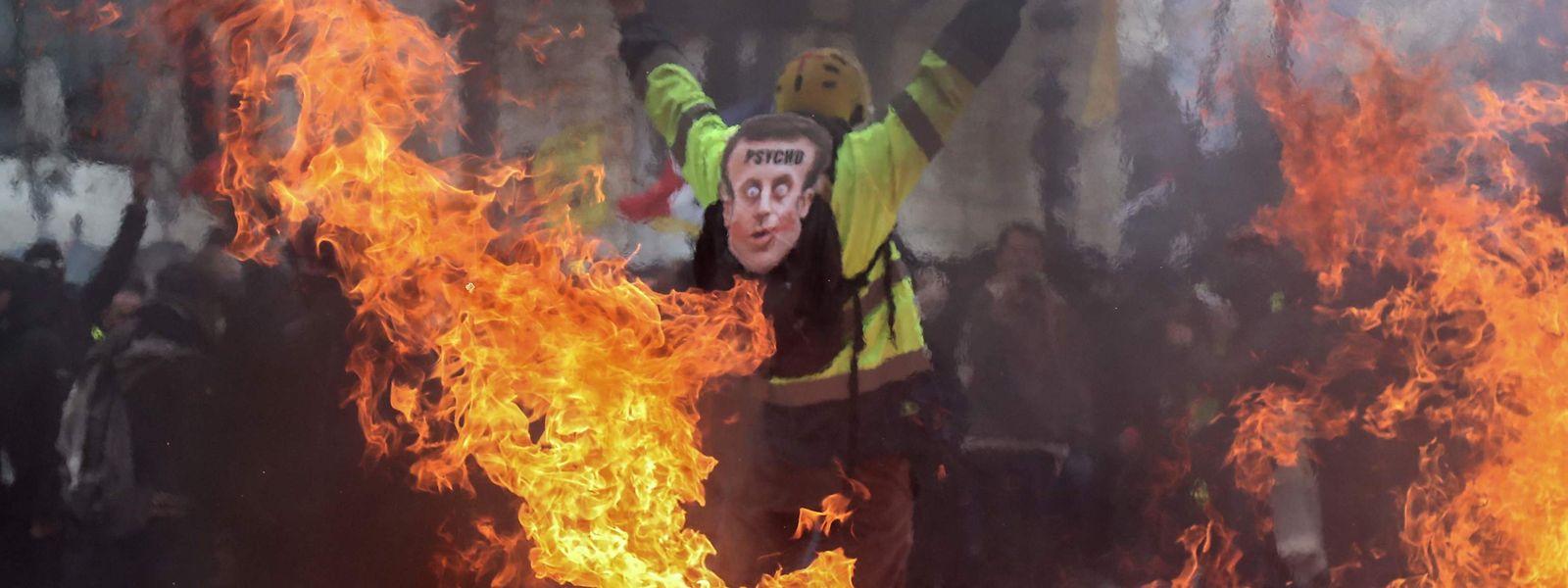 Die Gewalt und Sachbeschädigungen sind bei den Protesten erneut aufgeflammt.