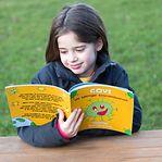 Maite. A menina de oito anos que escreveu um livro em português sobre a covid-19