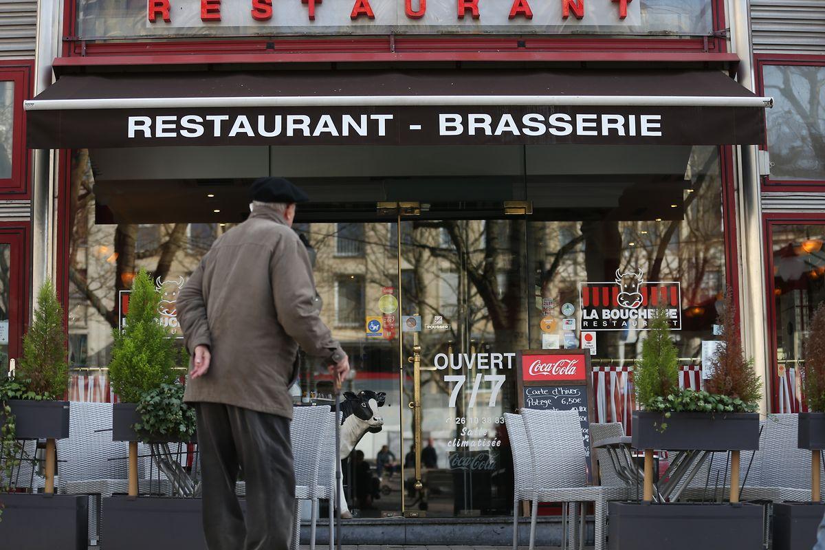 Restaurants uns Bars müssen ab sofort geschlossen bleiben.