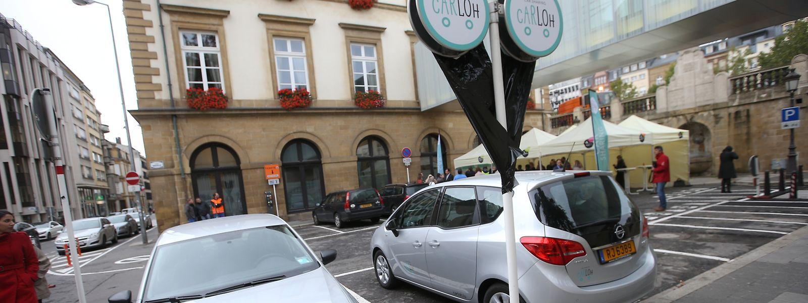 Angeboten werden zwei Modelle: der Kleinwagen VW Polo und der geräumigere Opel Meriva.