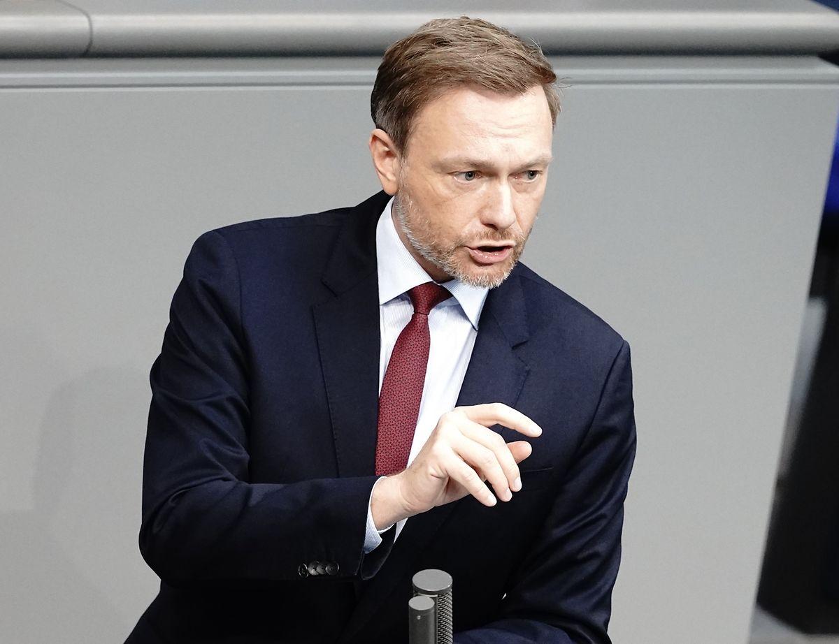 Christian Lindner, Fraktionsvorsitzender und Parteivorsitzender der FDP, spricht bei der Sitzung des Bundestags.