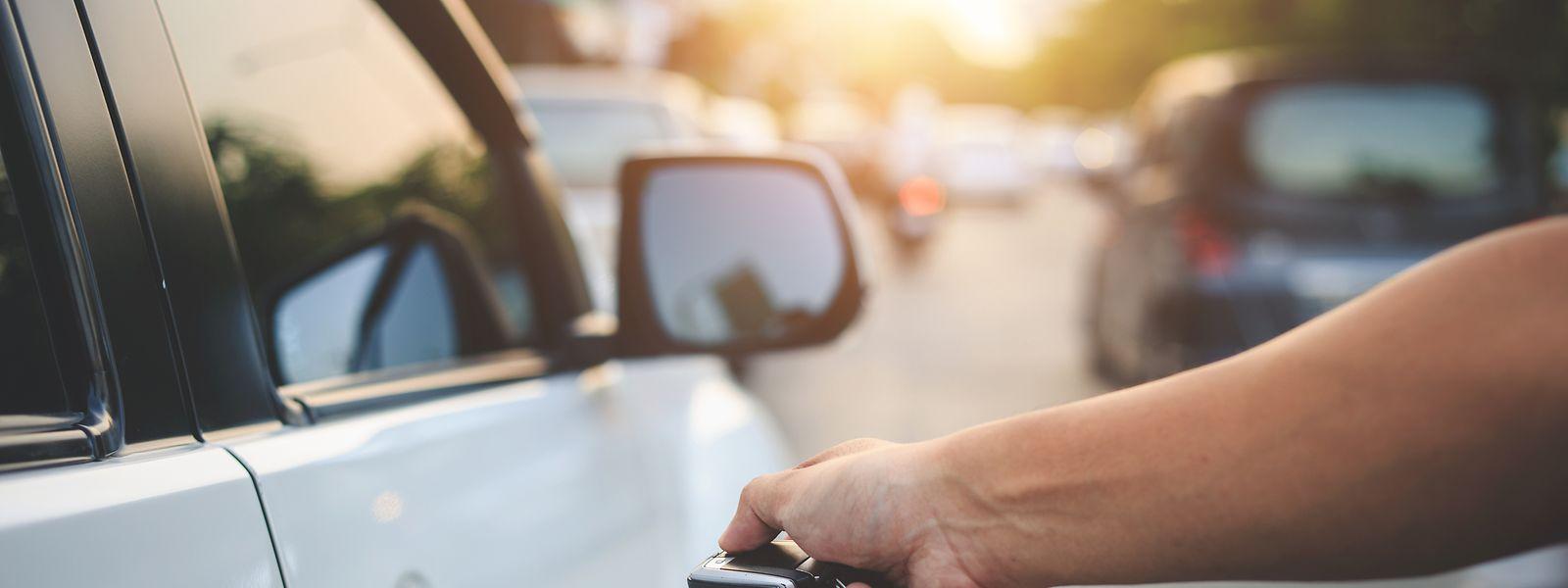 Nach dem Einbruch im letzten Jahr wurden im März deutlich mehr Neuwagen zugelassen.