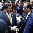Der türkische Premier Ahmet Davutoglu und der französische Präsident François Hollande nach dem Abschluss des Gipfels.