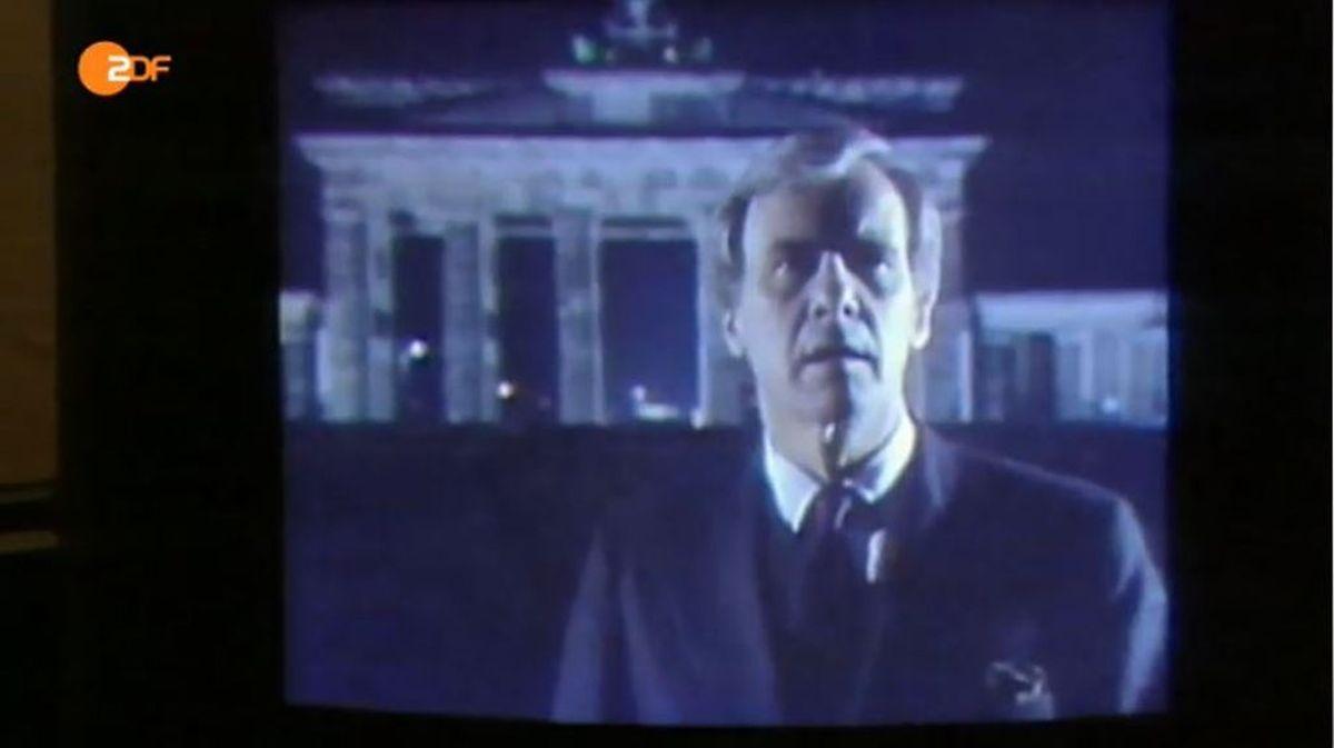 Emotionale Bilder: Als die Mauer fiel, fingen TV-Korrespondenten aus aller Welt am Brandenburger Tor die historische Stimmung ein.