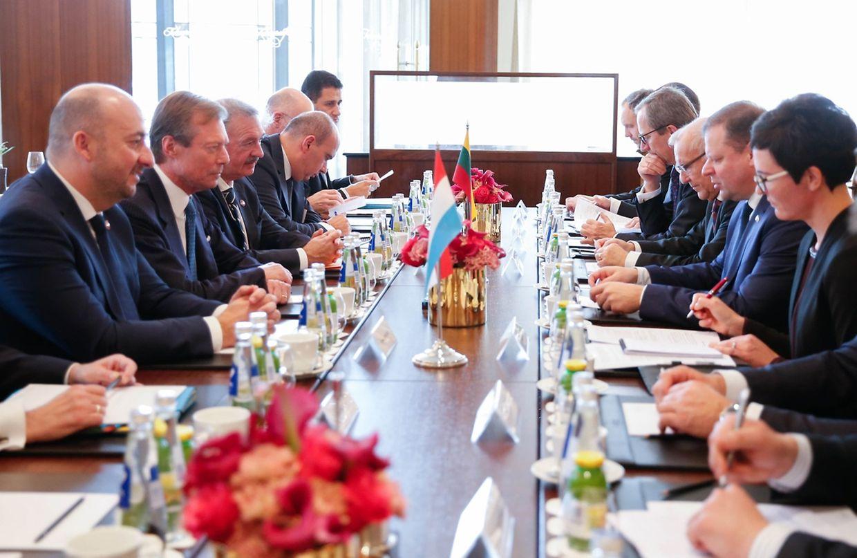 Le Grand-Duc accompagné d'Etienne Schneider et Jean Asselborn, rencontre Saulius Skvernelis, Premier ministre de Lituanie