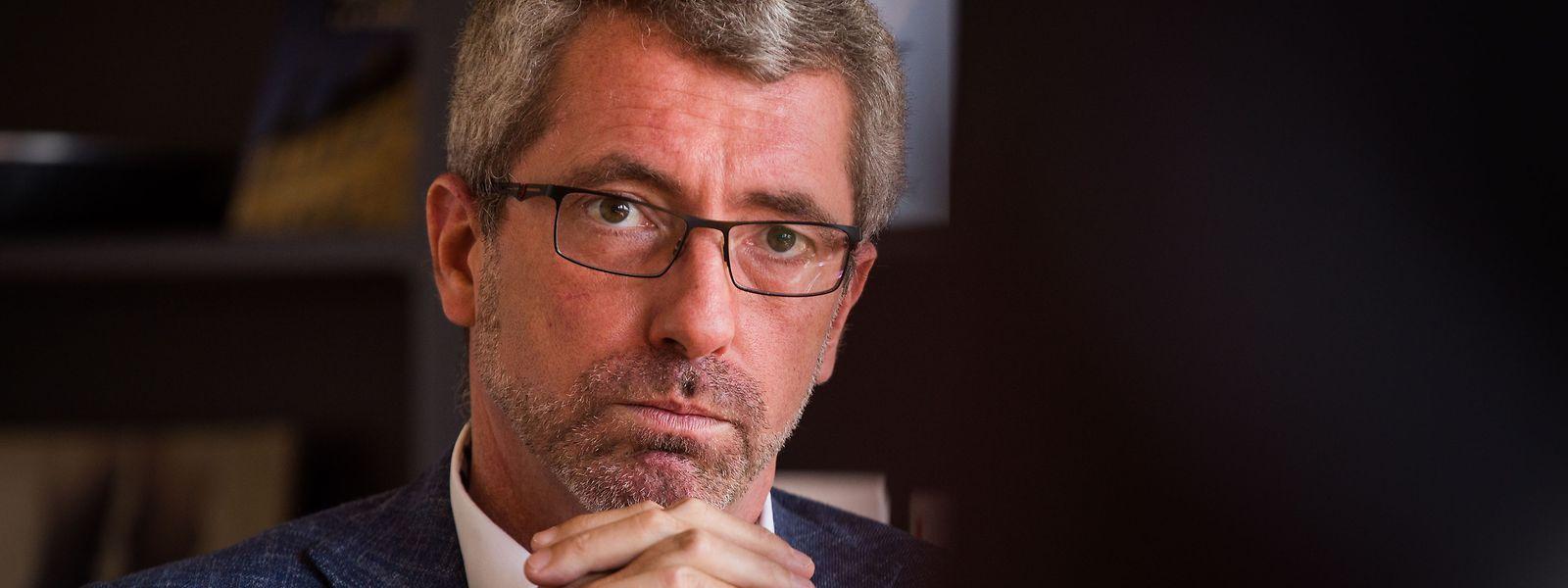 Frank Engel est suspecté d'avoir touché indûment un salaire de 40.000 euros de la part de l'asbl CSV Frëndeskrees. Un comité national se réunira ce mercredi pour décider des suites politiques de cette affaire.