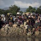 """""""Assassinatos"""", """"violações"""" e """"tortura"""" de mulheres e crianças cometidos por Forças Armadas na Birmânia"""