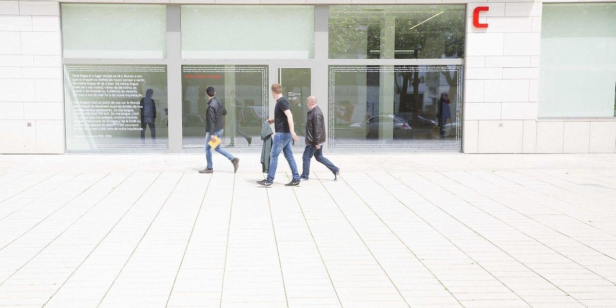 O Centro Cultural Português fica na Place Joseph Thorn, n° 4, na cidade do Luxemburgo.