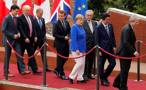Merkel sieht Europa auf sich selbst gestellt