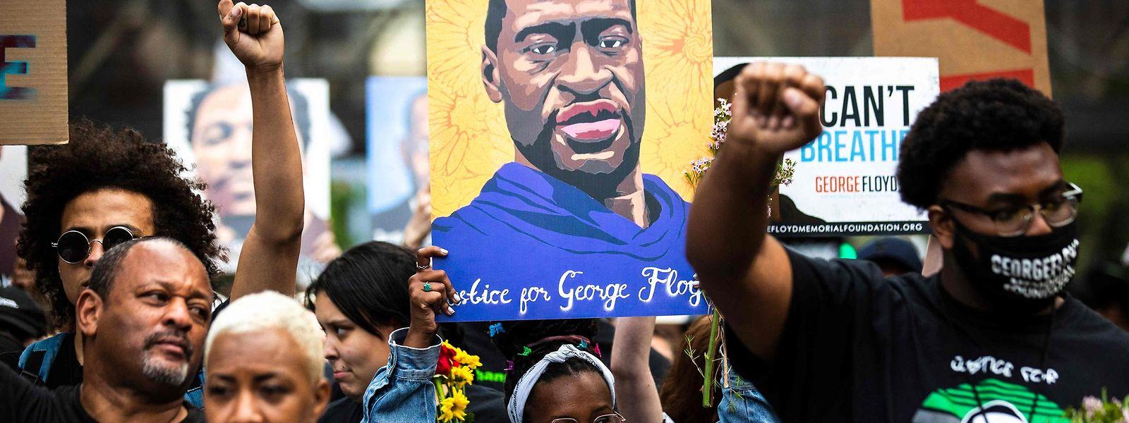 Floyds Tod am 25. Mai 2020 in Minneapolis hatte in den USA über Monate hinweg Demonstrationen gegen Rassismus und Polizeigewalt ausgelöst.