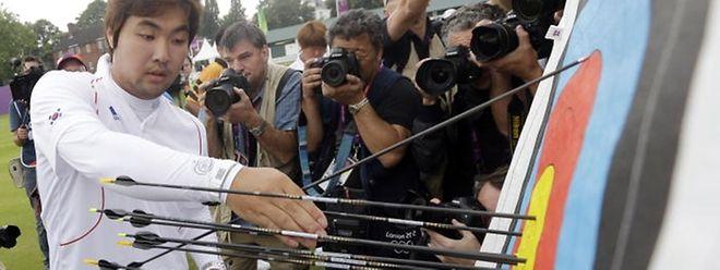 Légalement aveugle, Im Dong Hyun est cependant le plus précis au monde à 70 m d'une cible.