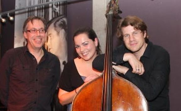 O núcleo duro do conjunto Inuk: o pianista George Lettellier, a vocalista Luísa Vieira e o contrabaixista Marc Demuth