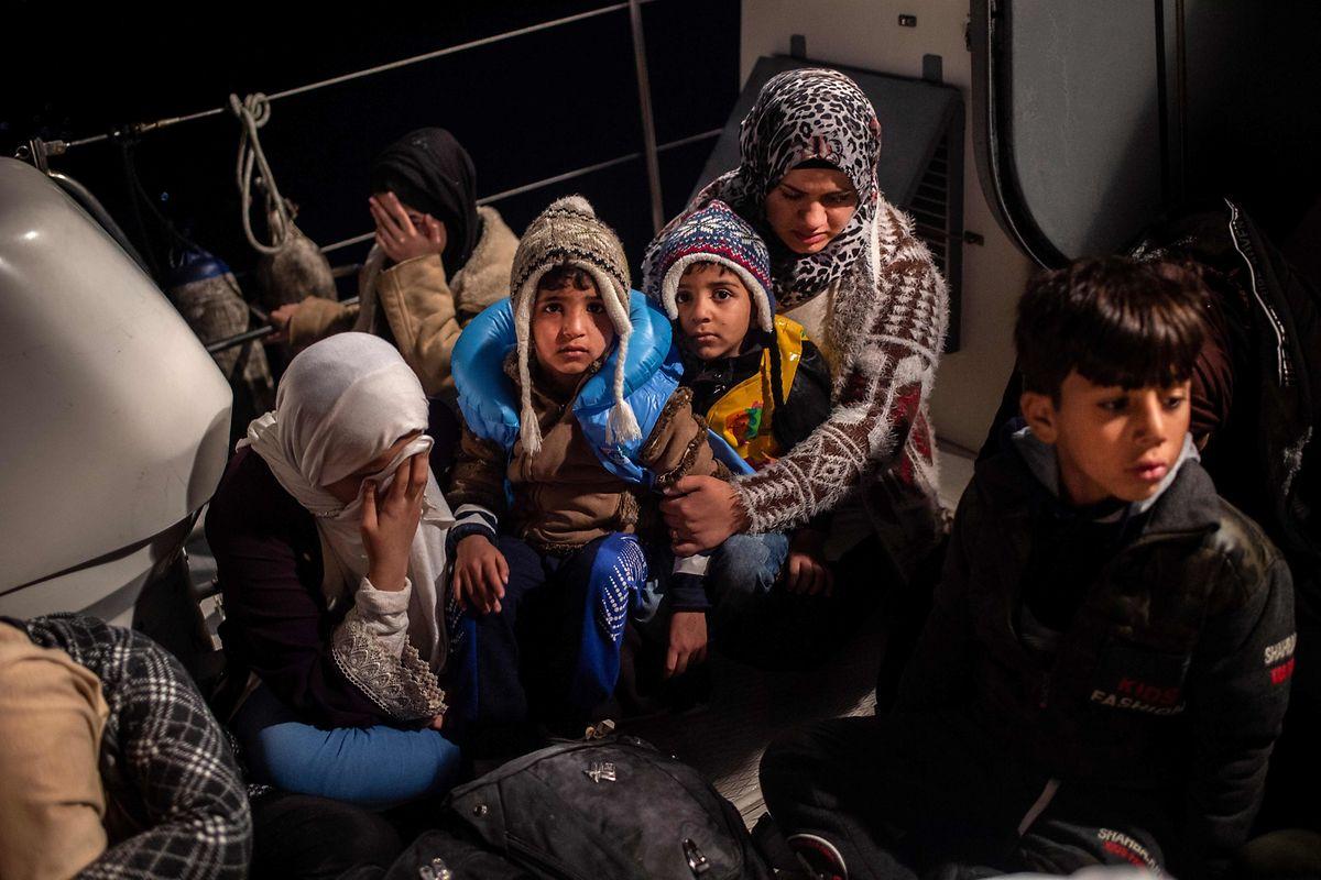Schutzlos und hilflos sind viele Flüchtlingskinder den kriminellen Machenschaften von skrupellosen Menschenhändlern ausgeliefert.