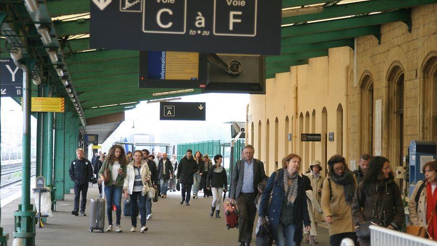Le stationnement en gare de Thionville est censé être développé par le projet TCSP du Smitu