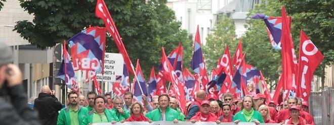 """""""Unsere Diplome werden in den Gehaltstabellen nicht entsprechend honoriert"""", hatten Teilnehmer der Demo im Juni 2016 beklagt."""