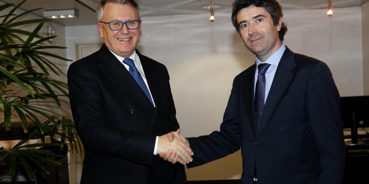 O primeiro encontro na agenda do secretário de Estado das Comunidades, José Luís Carneiro, foi com o ministro do Trabalho do Luxemburgo, Nicolas Schmit