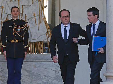 Le président français François Hollande et le Premier ministre Manuel Valls à l'issue du Conseil des ministres, mercredi, au palais de l'Élysée.