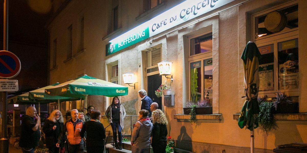 """Den Wahlabend verbrachten """"Déi Gréng"""" in einem Lokal in Bettemburg. In den kommenden Tagen werden sie sich in Bezug auf die Koalitionsbildung beraten."""