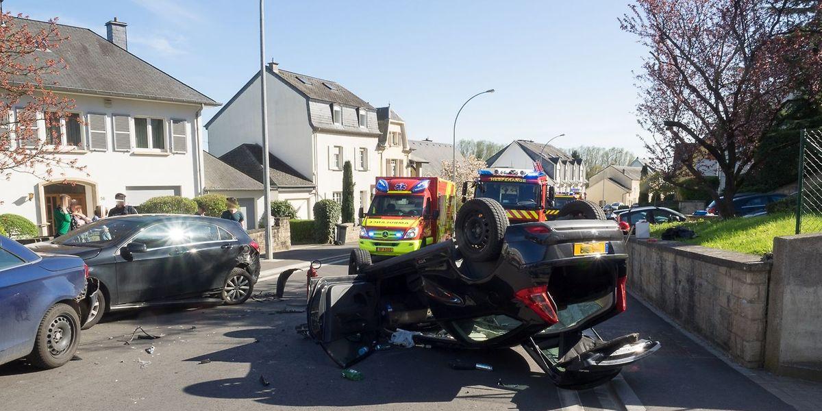 Eine Person erlitt bei dem Unfall leichte Verletzungen.