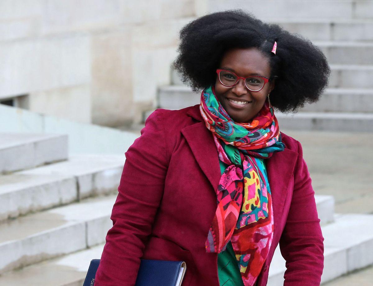 Erst wenn klar sei, ob Großbritannien den Vertrag mit den übrigen EU-Ländern annehme oder nicht, könne über die Haltung Frankreichs entschieden werden, erklärte die französische Regierungssprecherin Sibeth Ndiaye.